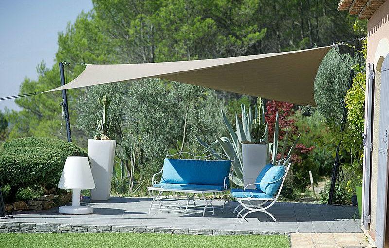 Protéger sa terrasse du vent avec style